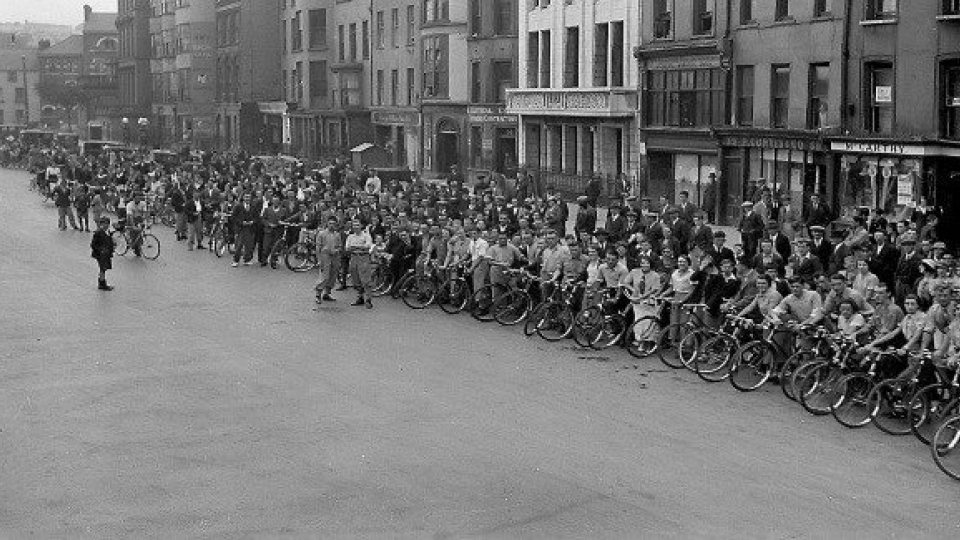 A Gathering of Cork Cyclists